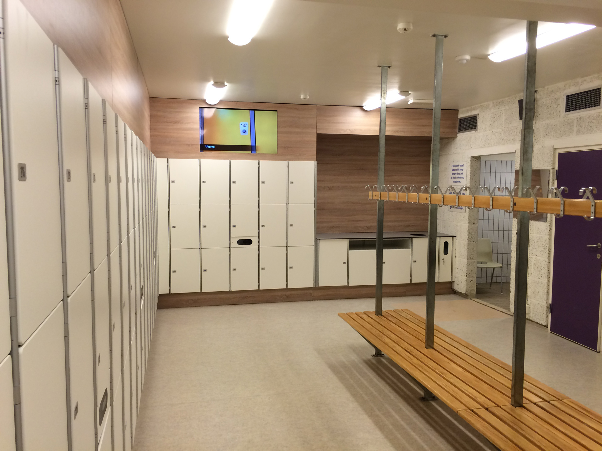 Publikumsbading randaberghallen for Garderobe 2m